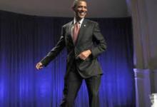 رقص اوباما در زادگاه پدری + فیلم